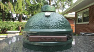 Big Green Egg in Kitchen Box